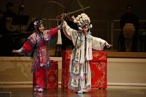 Folk Chinese opera staged in Chicago to celebrate Chinese New Year