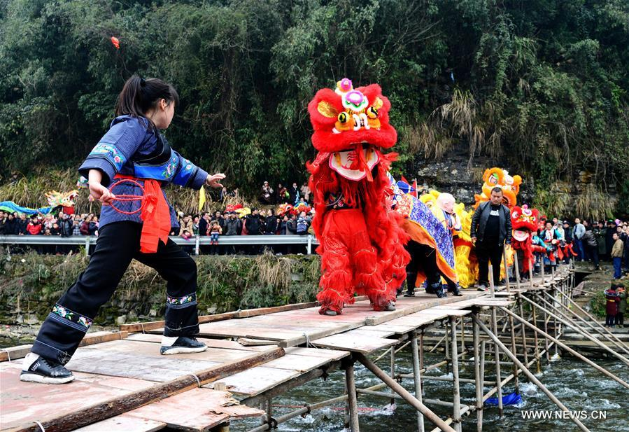 Annual lion dance fair held in central China's Hunan