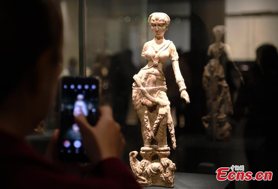 Afghan relics attract visitors in Chengdu