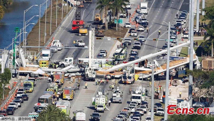 Pedestrian bridge collapses in U.S. state of Florida