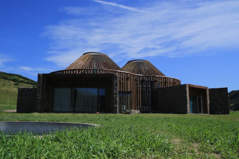 Yurt-inspired building wins major design award