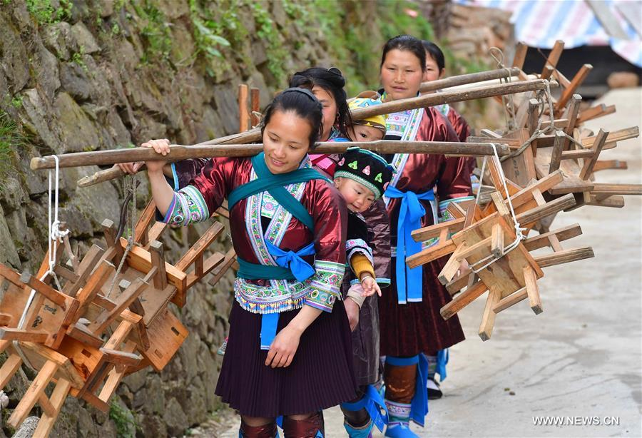 Villagers benefit from poverty alleviation measures in S China