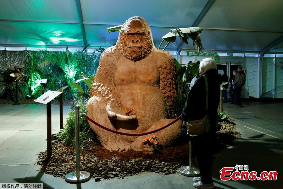 Huge chocolate statues spring up in Belgium