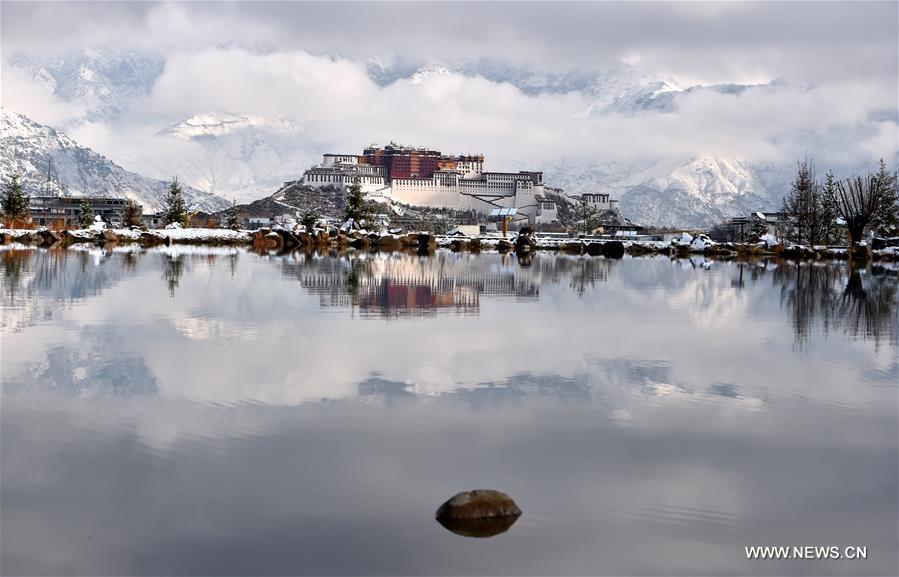 In pics: Scenery of Lhasa after snowfall