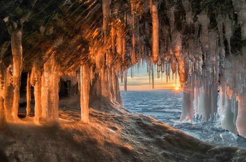 Breathtaking images of icicle formations on Lake Baikal