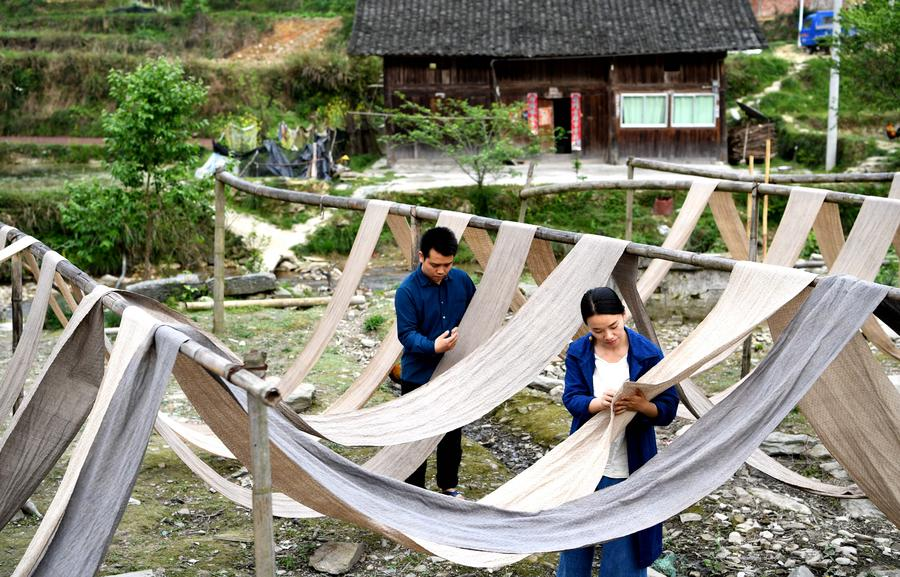 Couple finds success selling ethnic handmade cloth