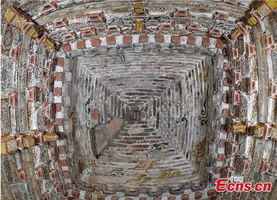 Well-preserved tomb murals found in Shanxi