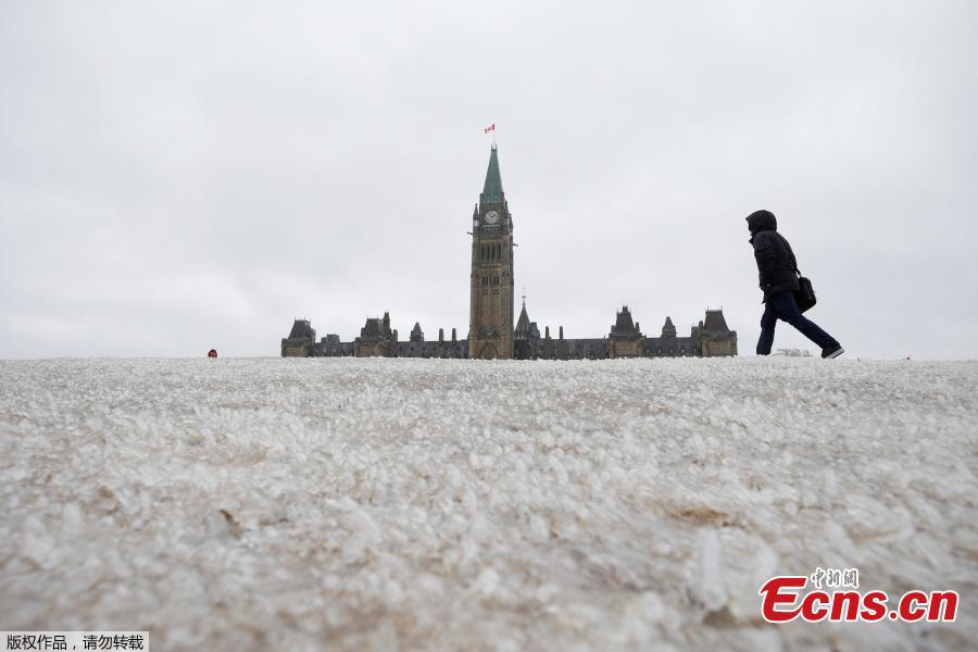 Winter storm hits Canada