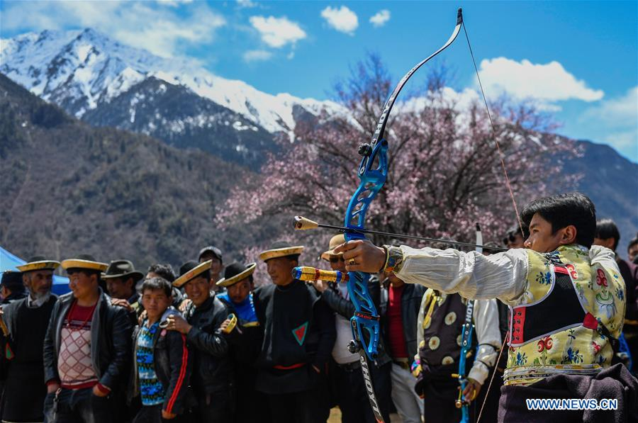Photo Tourism season kick-off ceremony held in Tibet