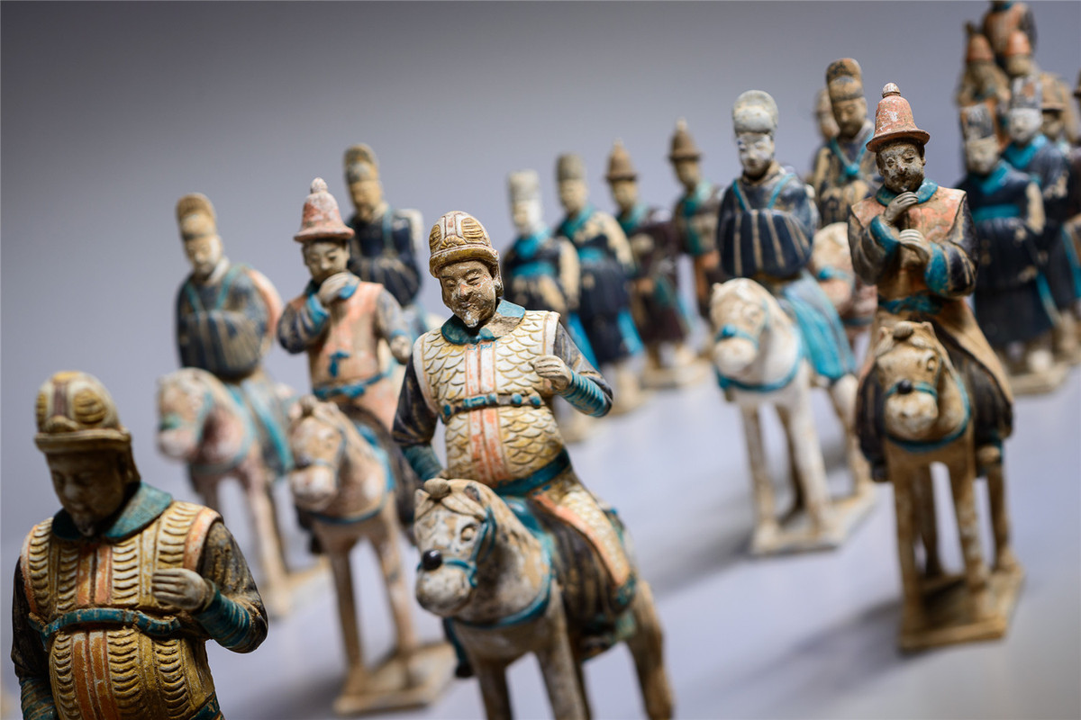 Chinese relics on show in Moscow Kremlin Museums