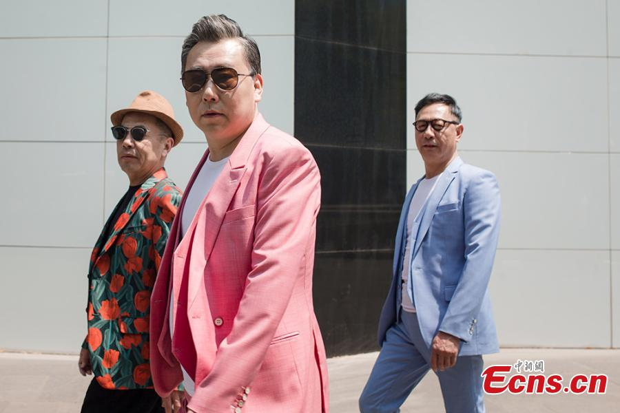 Outfits turn ordinary men into fashion stars