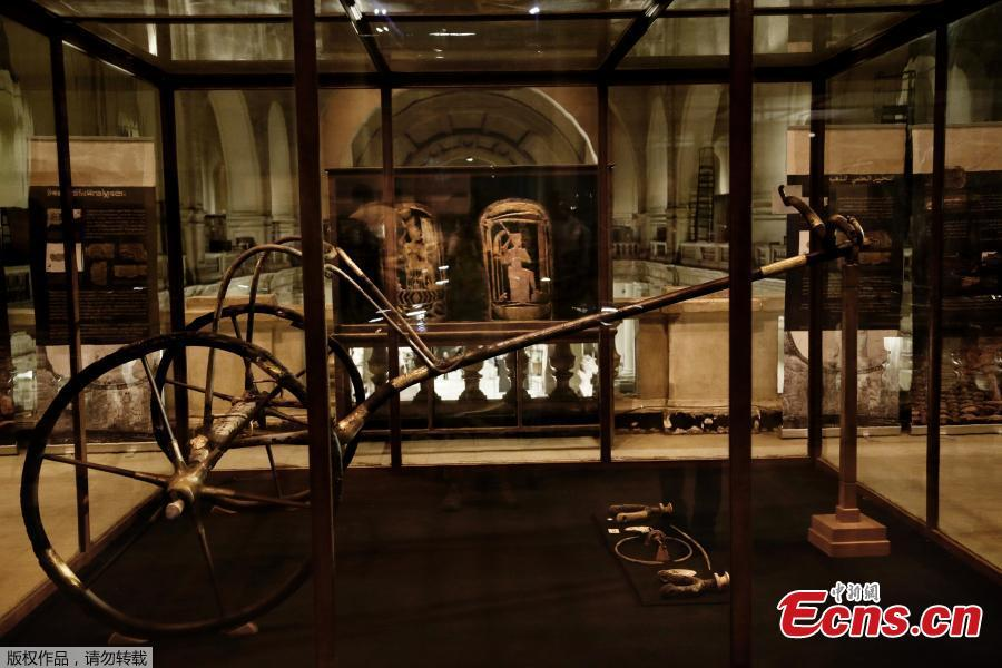 Egypt moves last chariot of King Tut to new museum