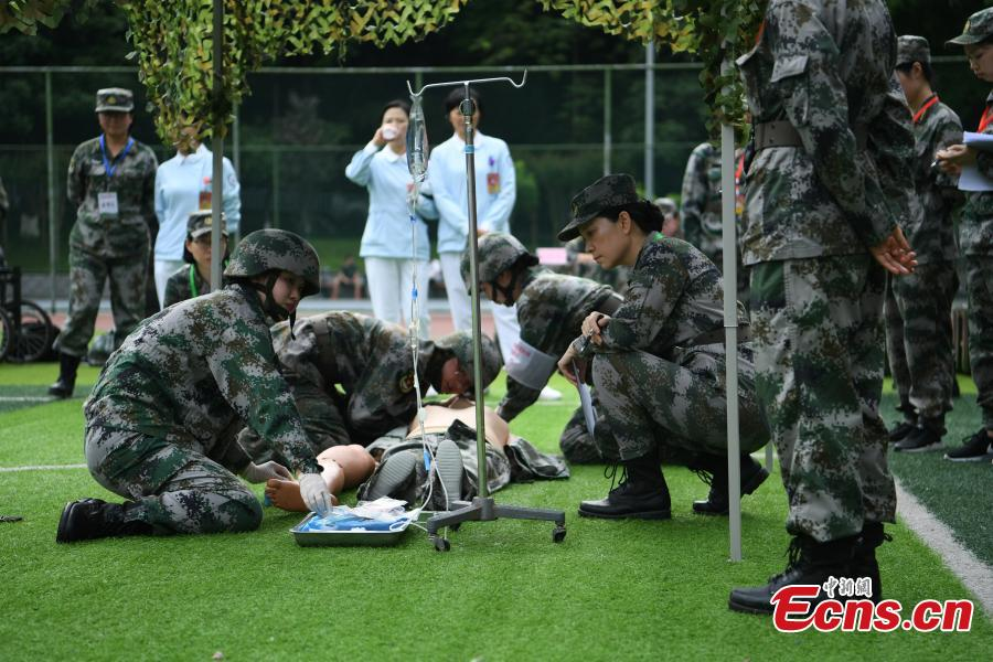 Nurses in military first aid competition