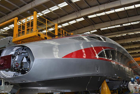 New model of Fuxing bullet trains under final static vehicle testing in Qingdao
