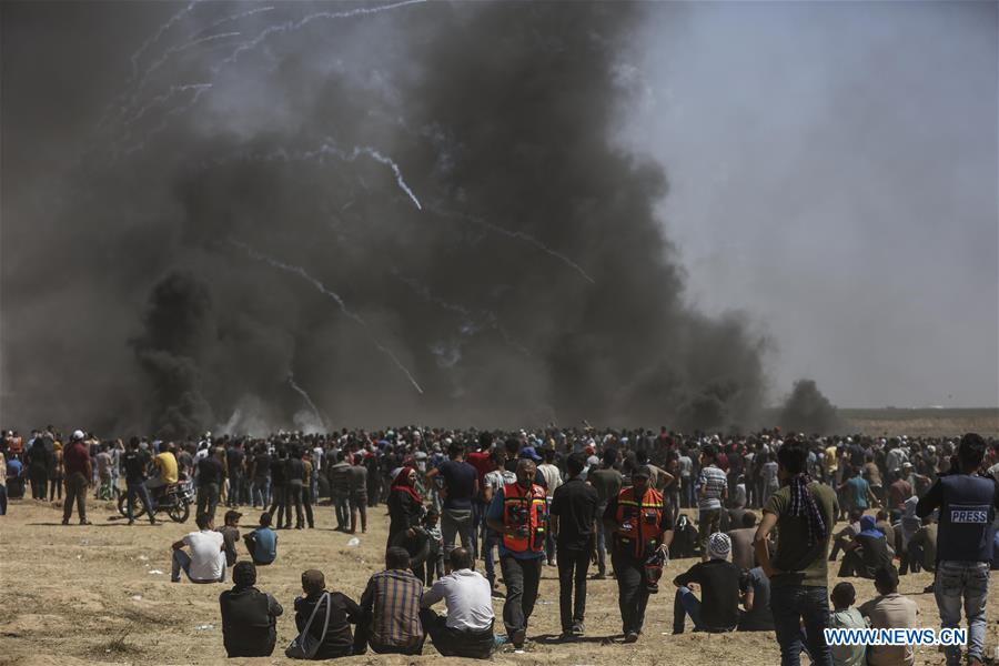 Over 55 Palestinians killed in border clashes with Israeli forces