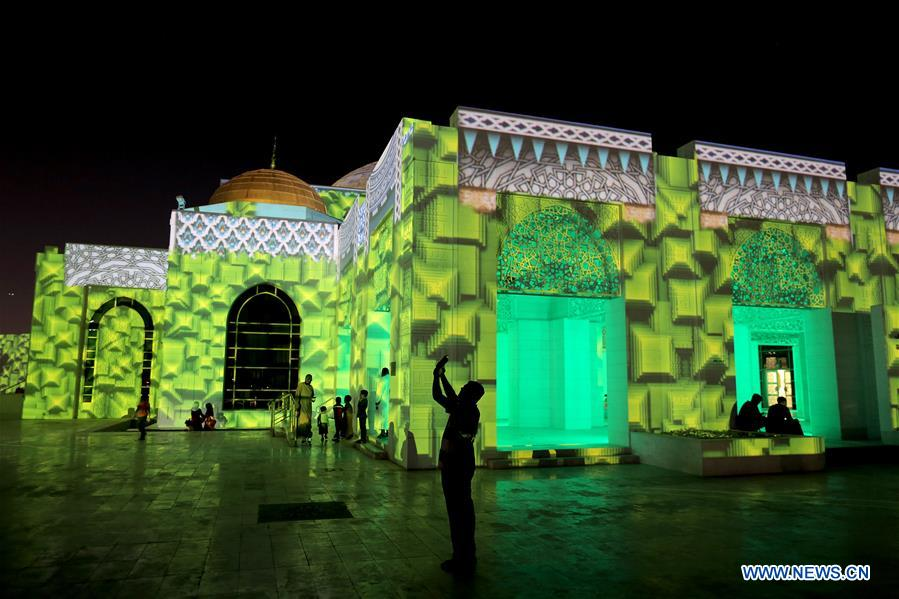 Light show held at mosque on third day of Ramadan in UAE