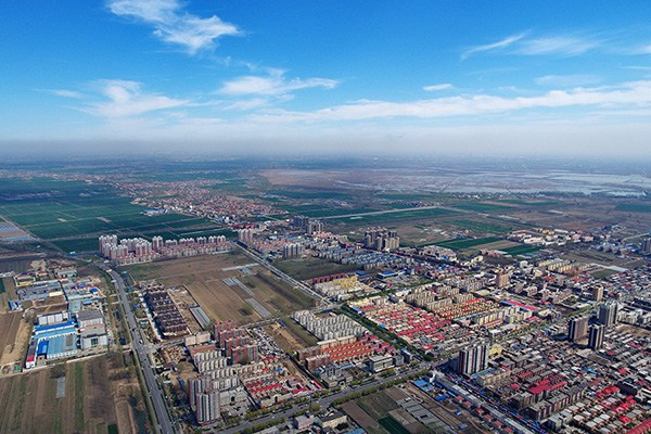 Aerial photo taken on April 1, 2017 shows Anxin county, North China's Hebei province.(Photo/Xinhua)