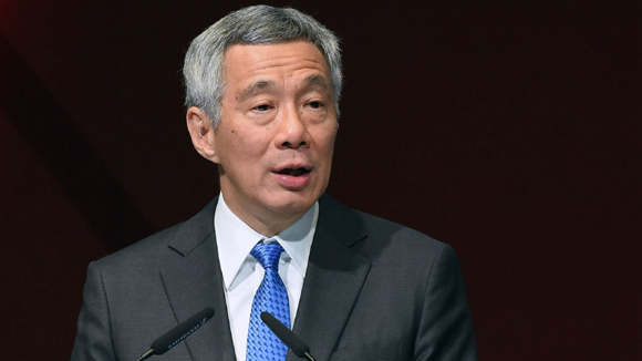 Singapore's PM urges free trade and economic connectivity ahead of Boao Forum