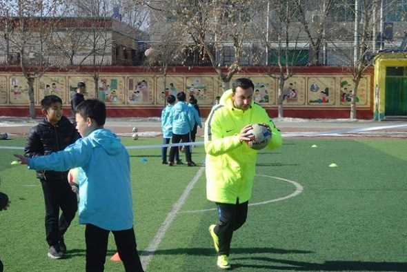 Xiongan invites international coaches to teach soccer