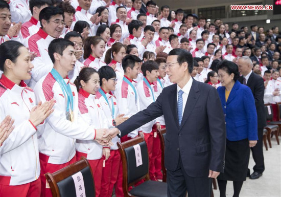 Senior Chinese leaders meet Winter Olympics delegation