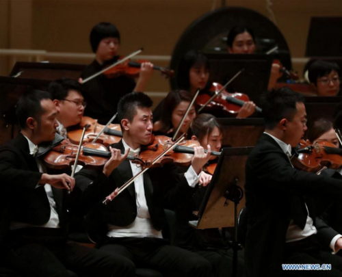 Chinese musicians play way to build bridge for East, West cultural